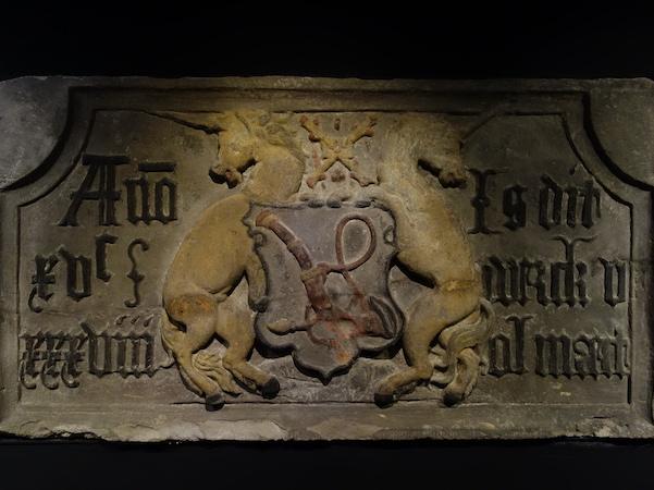 De oudste gevelsteen met Eenhoorns