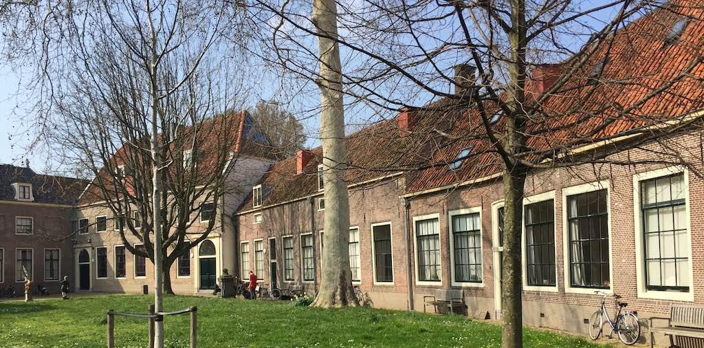 Bezienswaardigheden Hoorn - Burgerweeshuis en Mariakapel