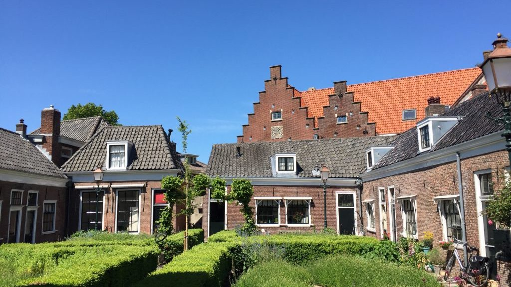 Best rated private guided tour Hoorn - Meet the local!